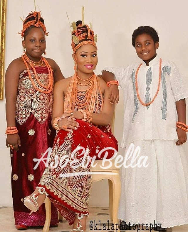 Bride & her #AsoEbiBella Photography by @klalaphotography_aso