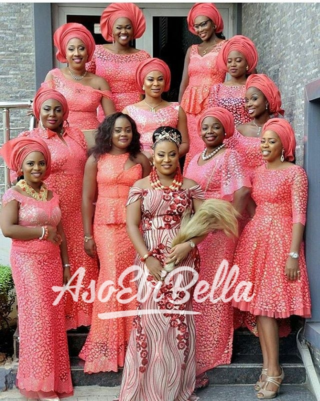 Bride & her #AsoEbiBella for #TheNdekwus16