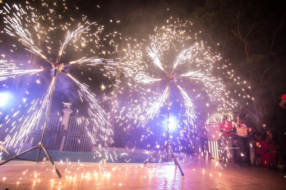 fireworks-at-the-mansion-party