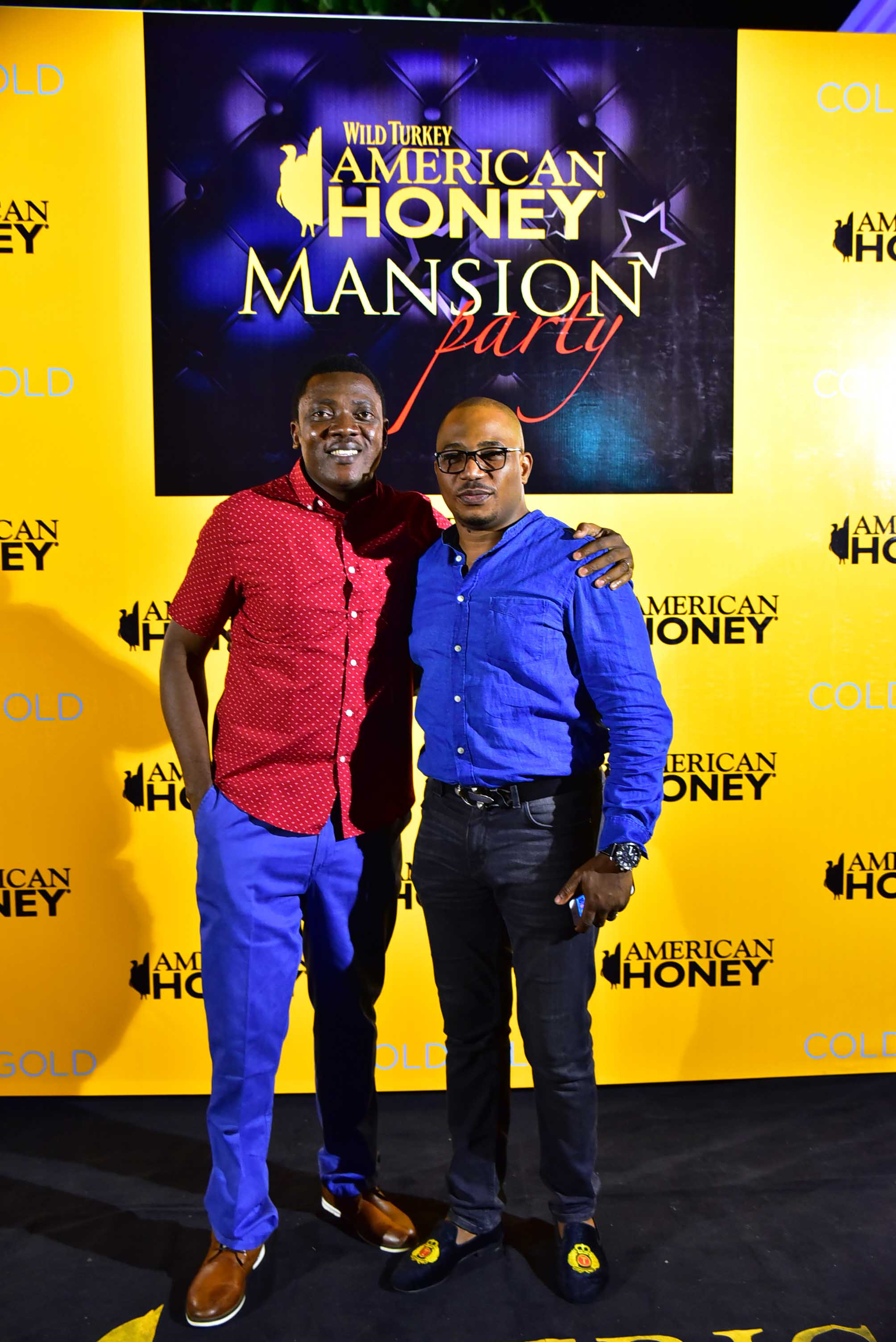 general-manager-brian-munro-abayomi-ajao-with-comedian-tee-a-2