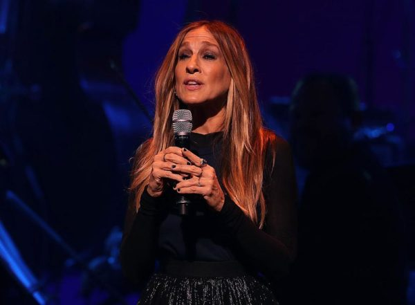 NEW YORK, NY - OCTOBER 17:  Sarah Jessica Parker performs during the Hillary Victory Fund - Stronger Together concert at St. James Theatre on October 17, 2016 in New York City. Broadway stars and celebrities performed during a fundraising concert for the Hillary Clinton campaign.  (Photo by Justin Sullivan/Getty Images)
