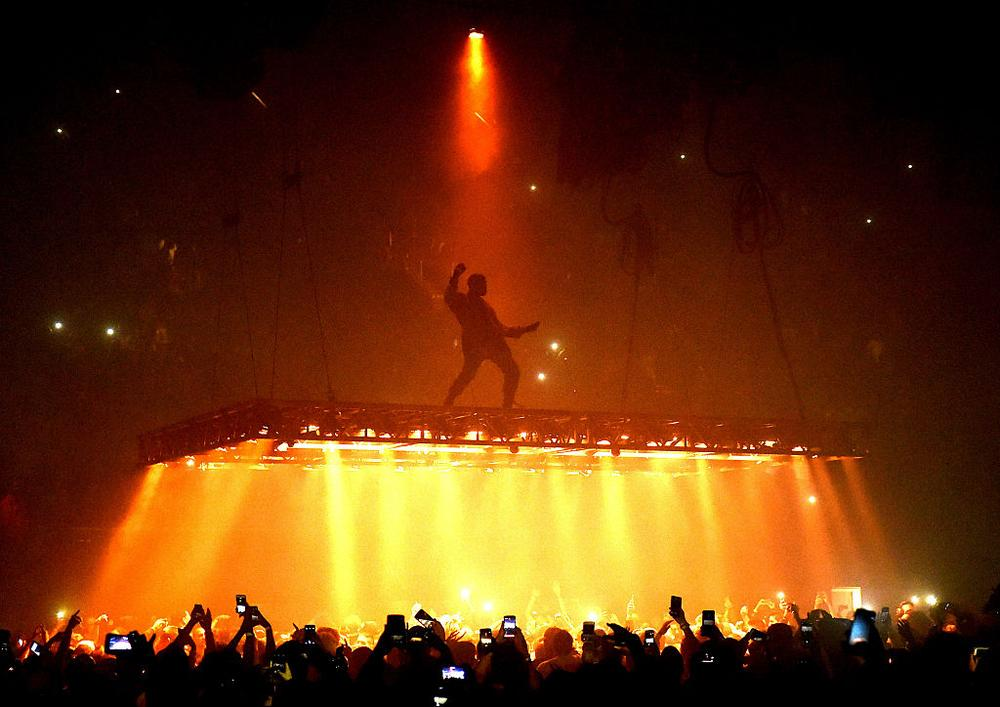 INGLEWOOD, CA - OCTOBER 25: Rapper Kanye West performs at the Forum on October 25, 2016 in Inglewood, California. (Photo by Kevin Winter/Getty Images)