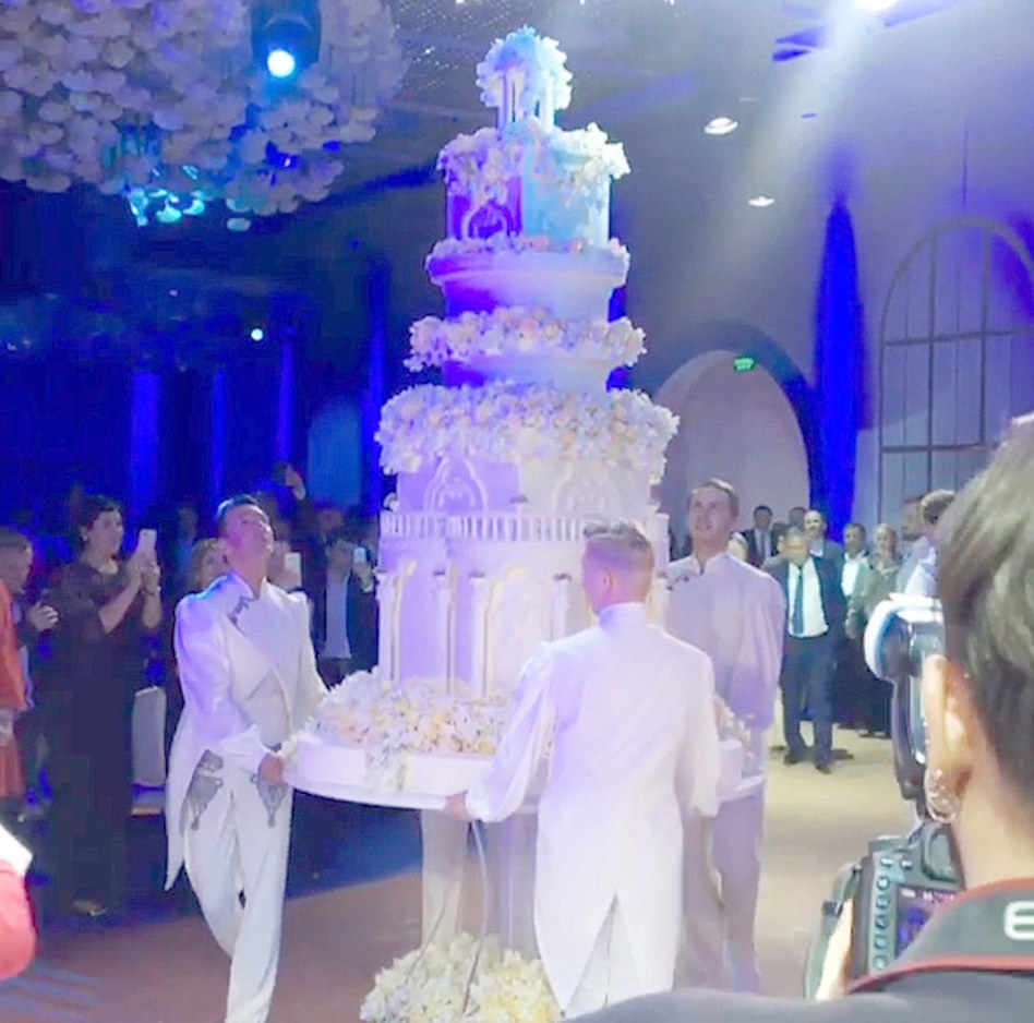 madina-shokirova-russian-tycoon-wedding_04_bellanaija  Daughter of Russian Oil Tycoon Marries in a Lavish Wedding Ceremony wearing a £500,000 Dress with a 10ft Cake, Private Jets & more! Madina Shokirova russian tycoon wedding 04 bellanaija