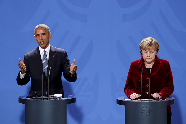 BERLIN, GERMANY - NOVEMBER 17: German Chancellor Angela Merkel (R) and U.S. President Barack Obama attend a joint press conference at the Chancellery on November 17, 2016 in Berlin, Germany. President Obama is on his last trip to Europe and is scheduled to hold talks with Chancellor Merkel as well as French President Francois Hollande, British Prime Minister Theresa May, Italian Prime Minister Matteo Renzi and Spanish Prime Minister Mariano Rajoy in Berlin tomorrow. (Photo by Sean Gallup/Getty Images)