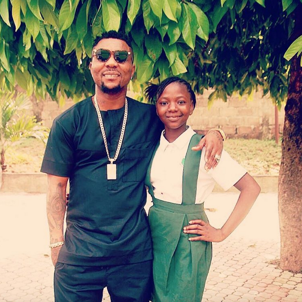 Oritse Femi's Caption: U already knw ... ESTHER and picture They are best of friends ..