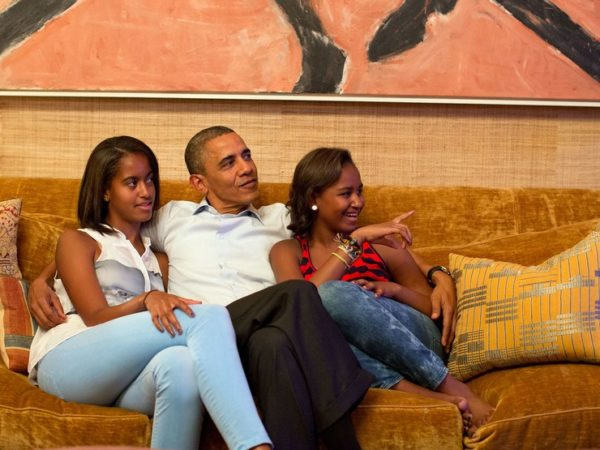 president-obama-and-his-daughters-malia-left-and-sasha-in-the-treaty-room