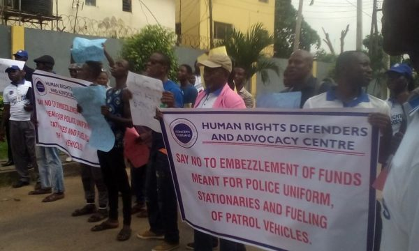 protest-at-lagos-police-headquarters