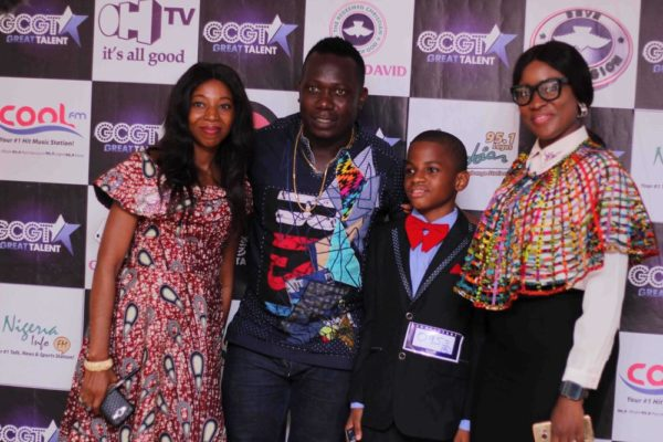 Contestant Nengi Jaja flanked by GCGT 7 Scouts, Duncan Mighty,Ebiere Ekiye and Preye Amayaku