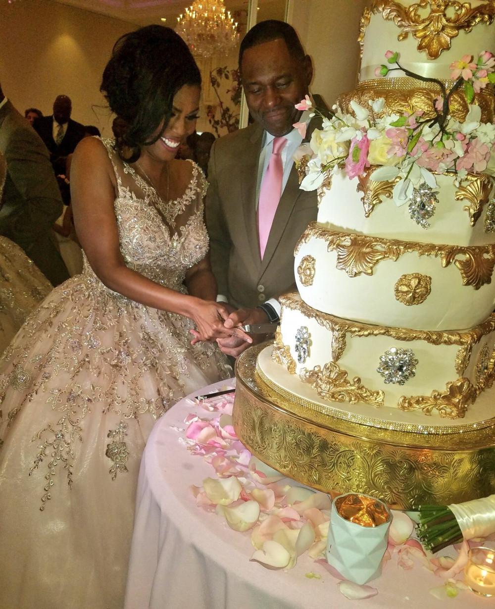Omarosa Manigault Gets Married To Her Beau Pastor John
