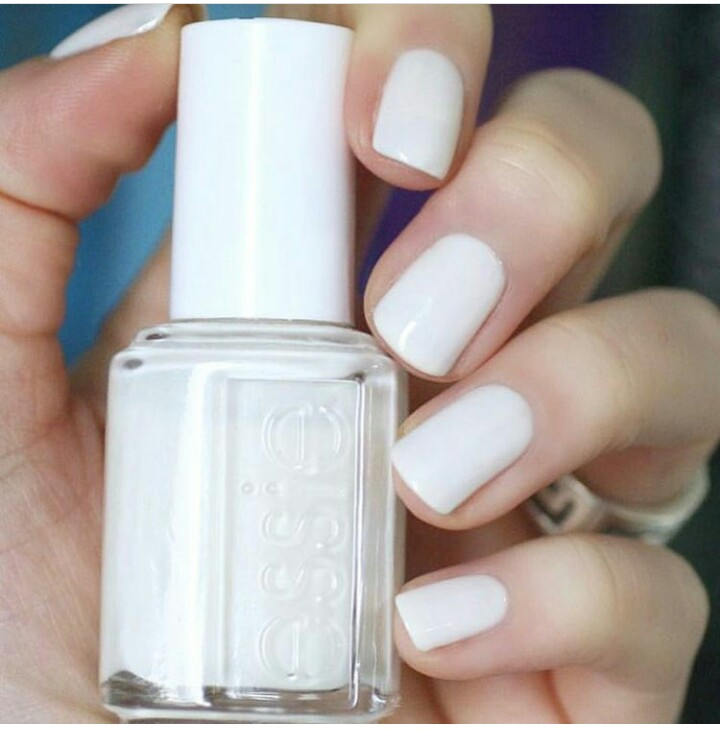 Monday Manicure Heres How To Remix Your Stained White Nail Polish