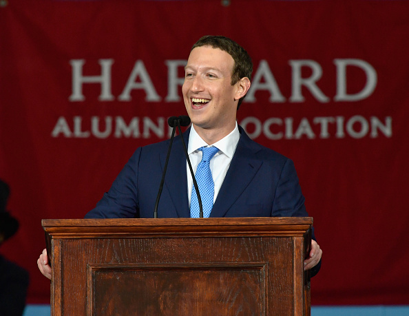 """Mom, I always told you I'd come back and get my degree"" – Mark Zuckerberg Delivers Powerful Speech at Harvard Commencement 2017 