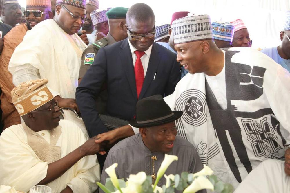 [Image: Saraki-at-IBB-daughters-wedding4.jpg]