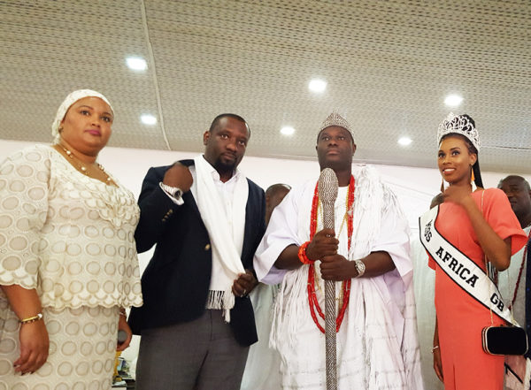 """missafricagb ooni of ife 4 600x441 - Sarah Jegede """"Miss Africa Great Britain""""  Visits Ooni of Ife"""