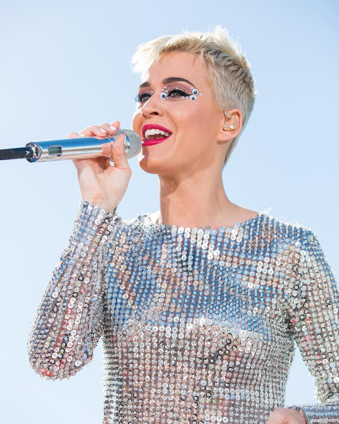 BellaNaija - Katy Perry becomes first Person to attain 100 Million Followers on Twitter