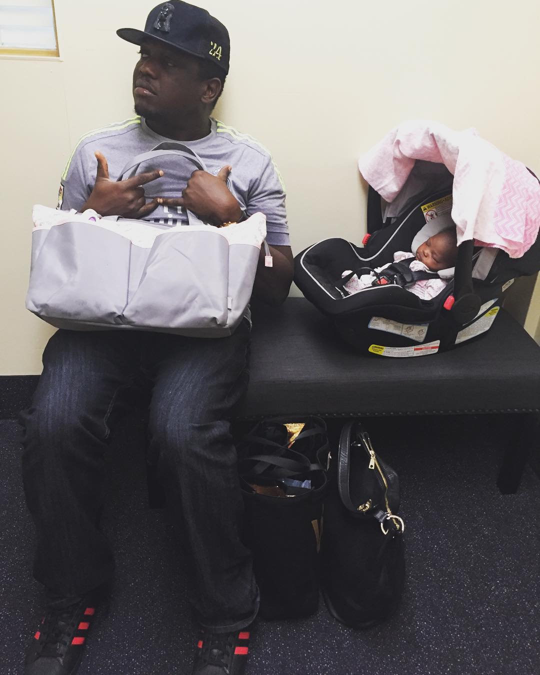 "BellaNaija - Daddy's Love! We ? IllBliss' Verse for Daughter on New Album ""Illy Bomaye"""