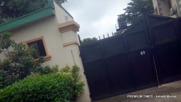 Police officers assigned as guards loot Goodluck Jonathan's Abuja Property