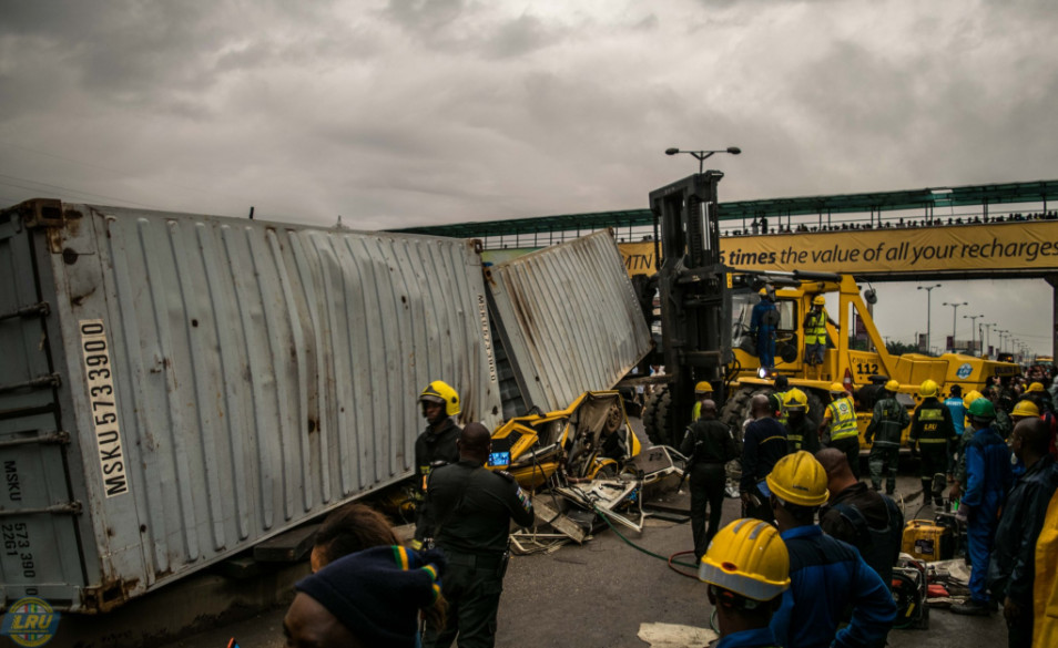 Container falls on Bus in Ojota, Casualties Recorded
