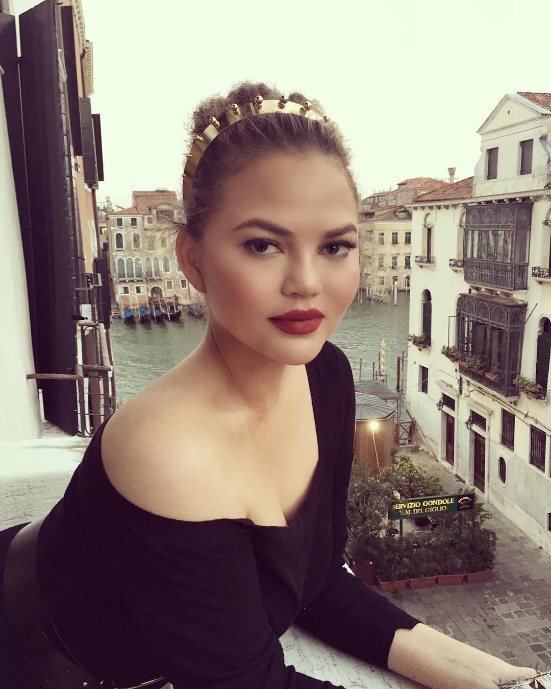 Chrissy Teigen has some thoughts about Meghan Markle's dad
