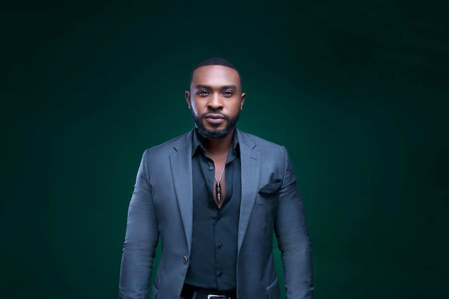 Eye Candy! Enyinna Nwigwe Looks Dapper in new Photos