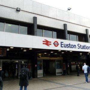 London's Euston Station evacuated after e-cigarette sparks bomb scare