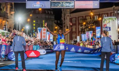 Joyciline Jepkosgei 23-year old woman breaks 10 km road world record in Prague