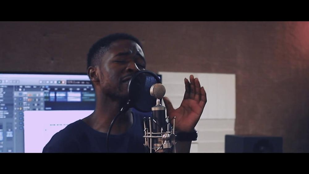 "BellaNaija - WATCH: Johnny Drille & Friends perform acoustic version of ""Romeo & Juliet"" on First Episode of #JohnnysRoom"