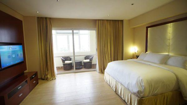 Pearlwort Hotel