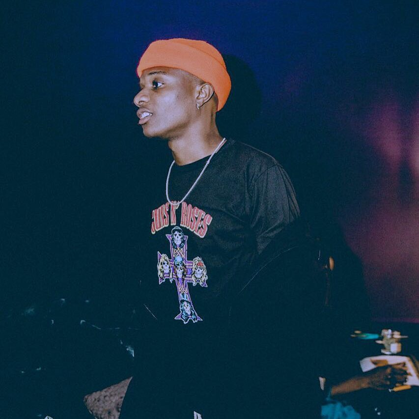 #Trending: Watch Wizkid pause his performance to show a physically challenged man love at #Felabration2017