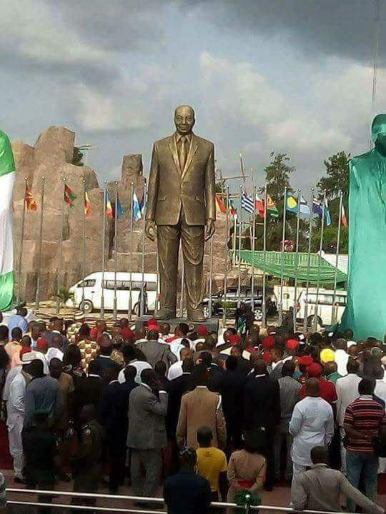 Okorocha unveils Giant Statue of Jacob Zuma in Owerri - BellaNaija