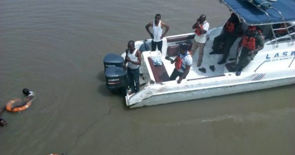 Man jumps from Lekki-Ikoyi Link Bridge into the Lagoon - BellaNaija