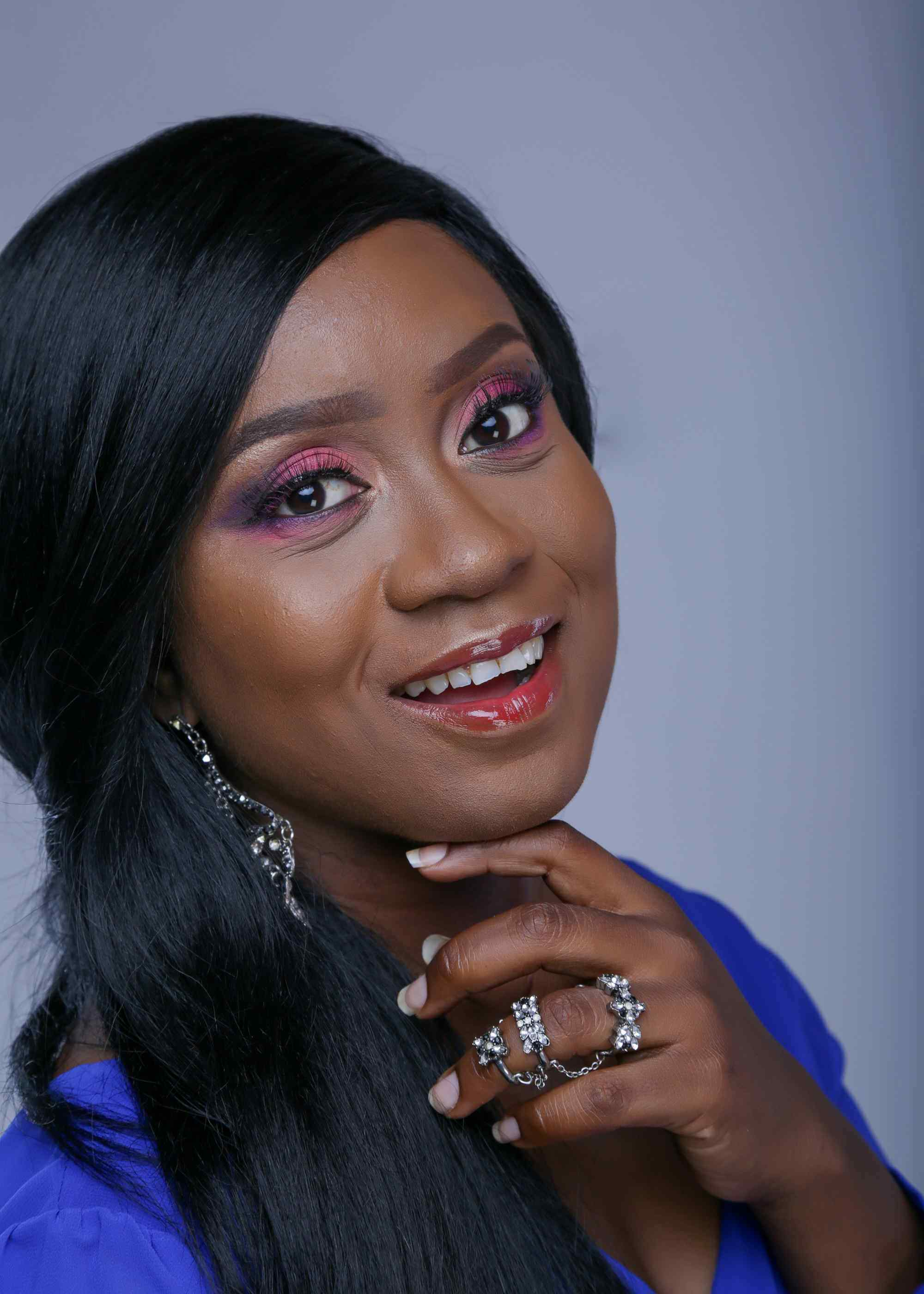 3 for 1! Check out Nikki Laoye's stunning New Looks ?