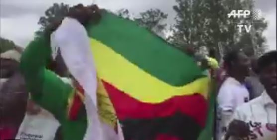 Thousands storm the streets of Zimbabwe calling for Mugabe to step down | WATCH