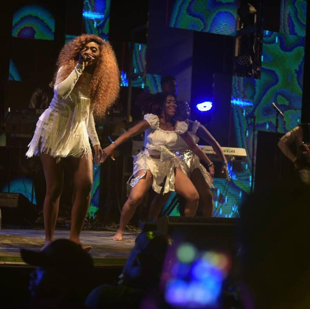 Wizkid, Tiwa Savage, Wande Coal, Mr Eazi thrill fans as #WizOnTheBeach Concert