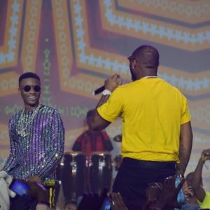 Davido joins Wizkid on stage for #WizkidTheConcert and Twitter reacts!