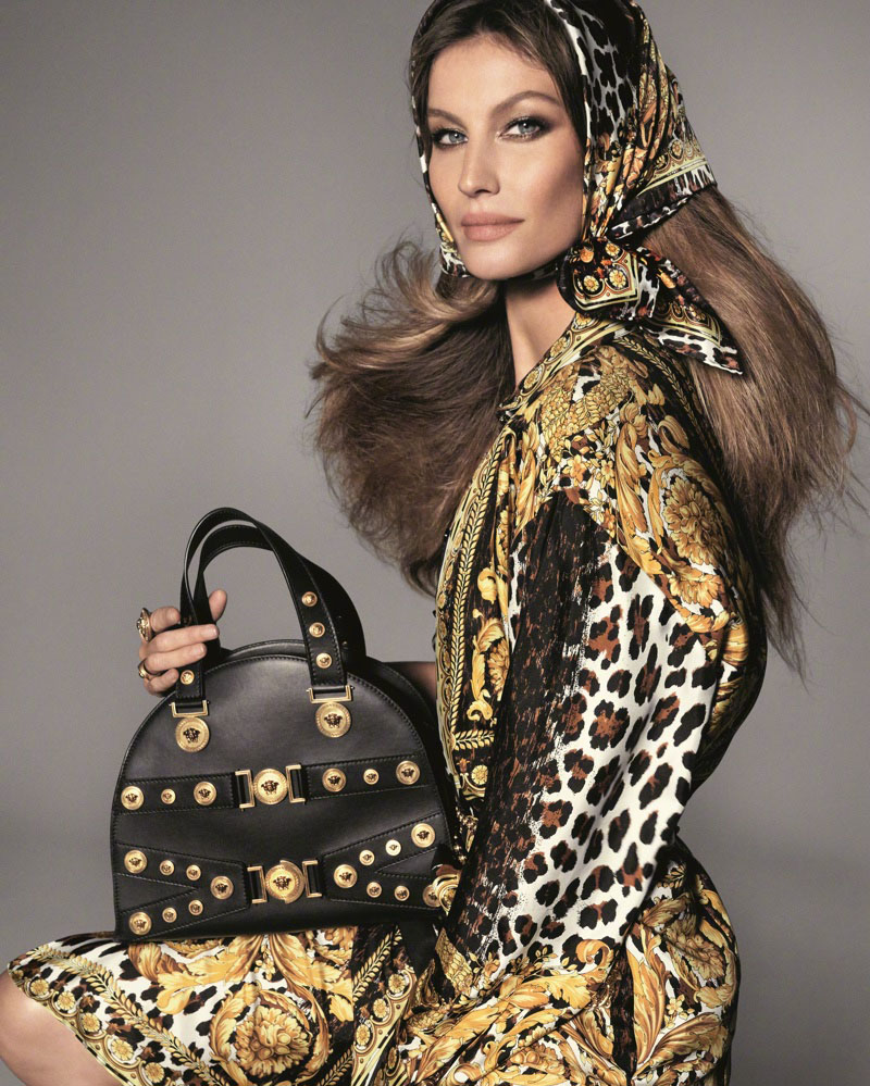 Naomi Campbell stars Versace's Spring 2018 Campaign