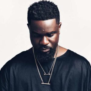 "Sarkodie covers Olamide's ""Wo"" in his native Twi Language 