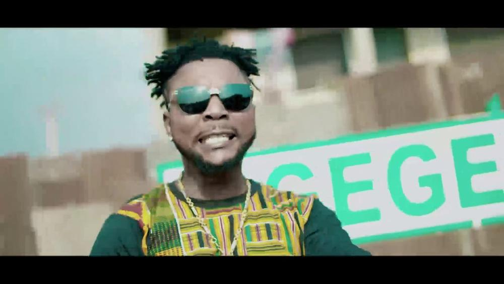 New Video: Oritse Femi - Bodija