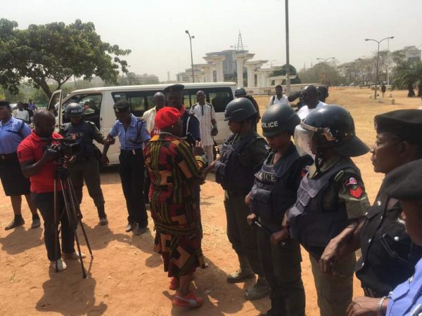 Nigeria Police arrests Oby Ezekwesili - BellaNaija