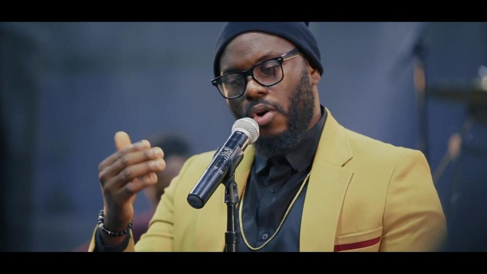 "Ayoola performs ""Yago"" at the Maryland Edition of #TheAyoolaLive 