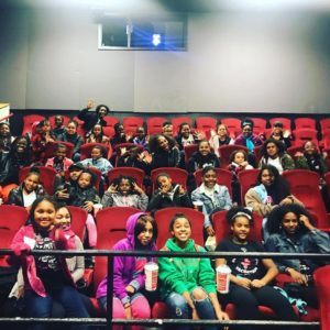 """Serena Williams surprises Young Black Girls at Private Screening of """"Black Panther"""" 