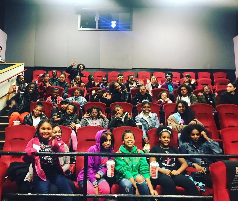 "Serena Williams surprises Young Black Girls at Private Screening of ""Black Panther"" 