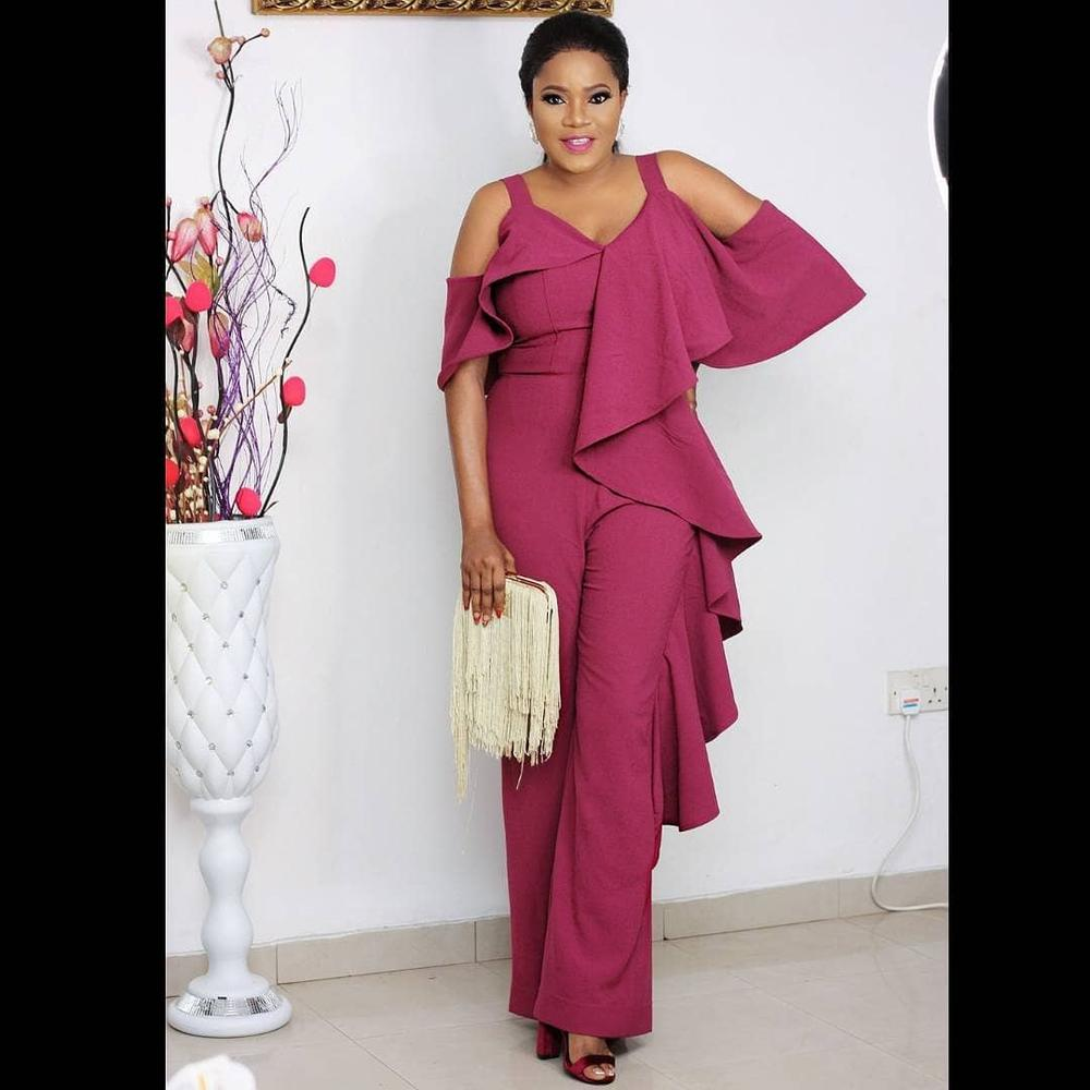 27581846_862775323925724_8937731912529608704_n Toyin Abraham, Mocheddah, Funke Akindele Bello attend The Omosexy Grand Ball Lifestyle people