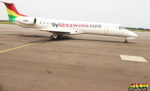 Robbers storm Plane preparing for Takeoff on Murtala Mohammed International Airport Runway - BellaNaija