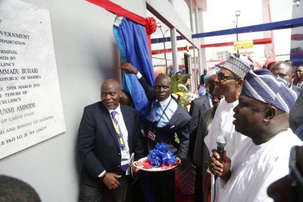 #PresidentialVisit: Buhari commissions the Ikeja Bus Terminal - BellaNaija