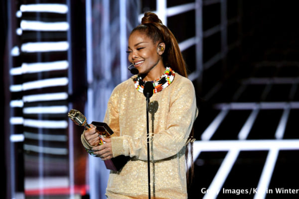 Janet Jackson receives the Icon Award at the 2018 #BBMAs   Full List of Winners