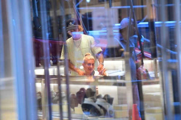 Hailey Baldwin gets Justin Bieber his own Engagement Ring ❤ | BellaNaija