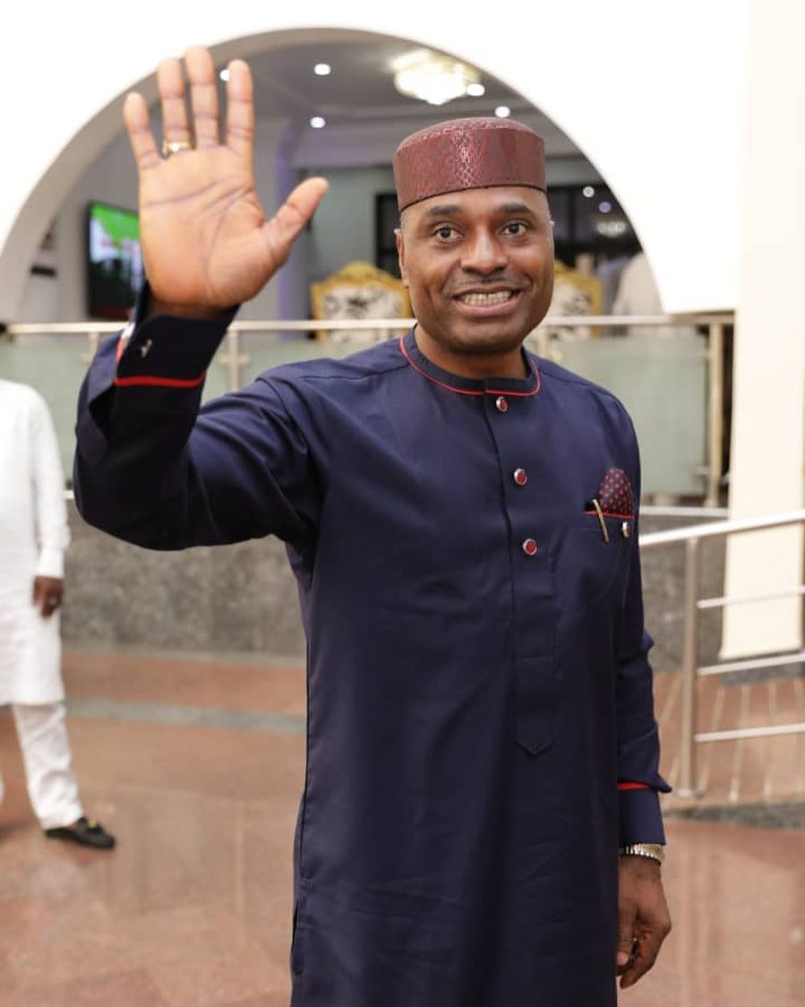 "Kenneth Okonkwo replies Reno Omokri for saying he ""knows how to act loyal without being loyal"""