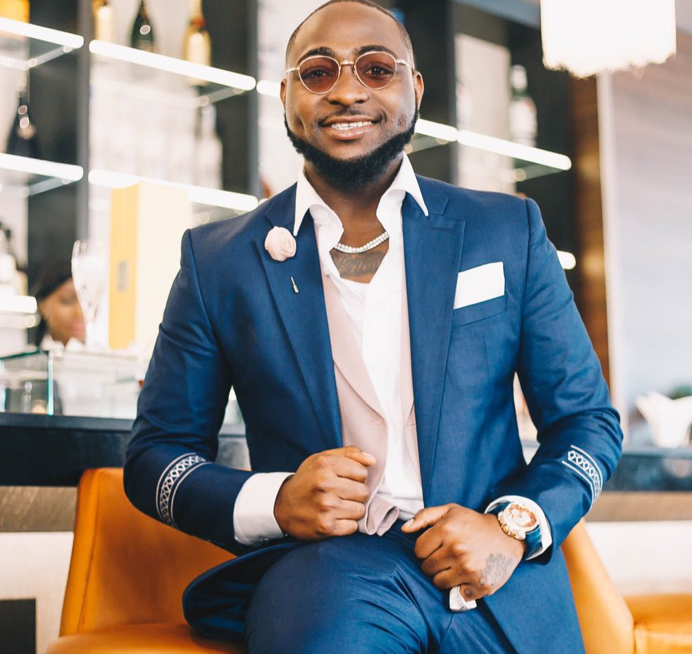 "Controversy over Alleged Incident Between Davido & Kizz Daniel's Manager at ""Davido Live"""