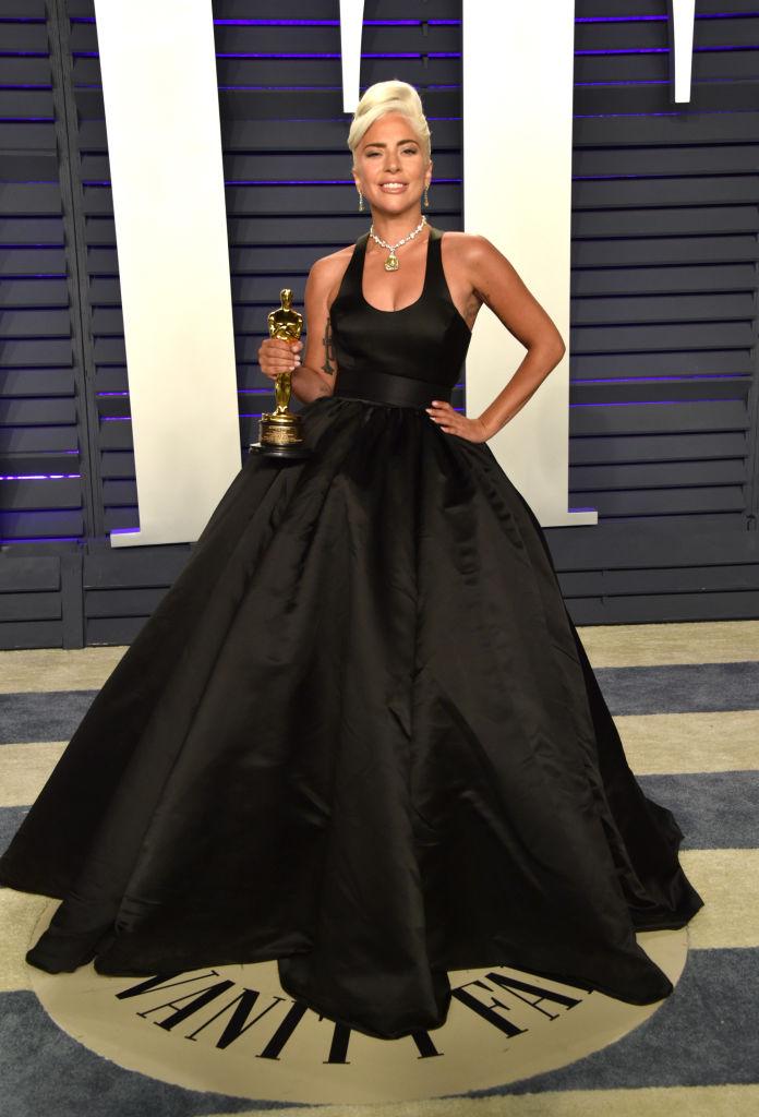 платье черное леди гага фото меня деревня