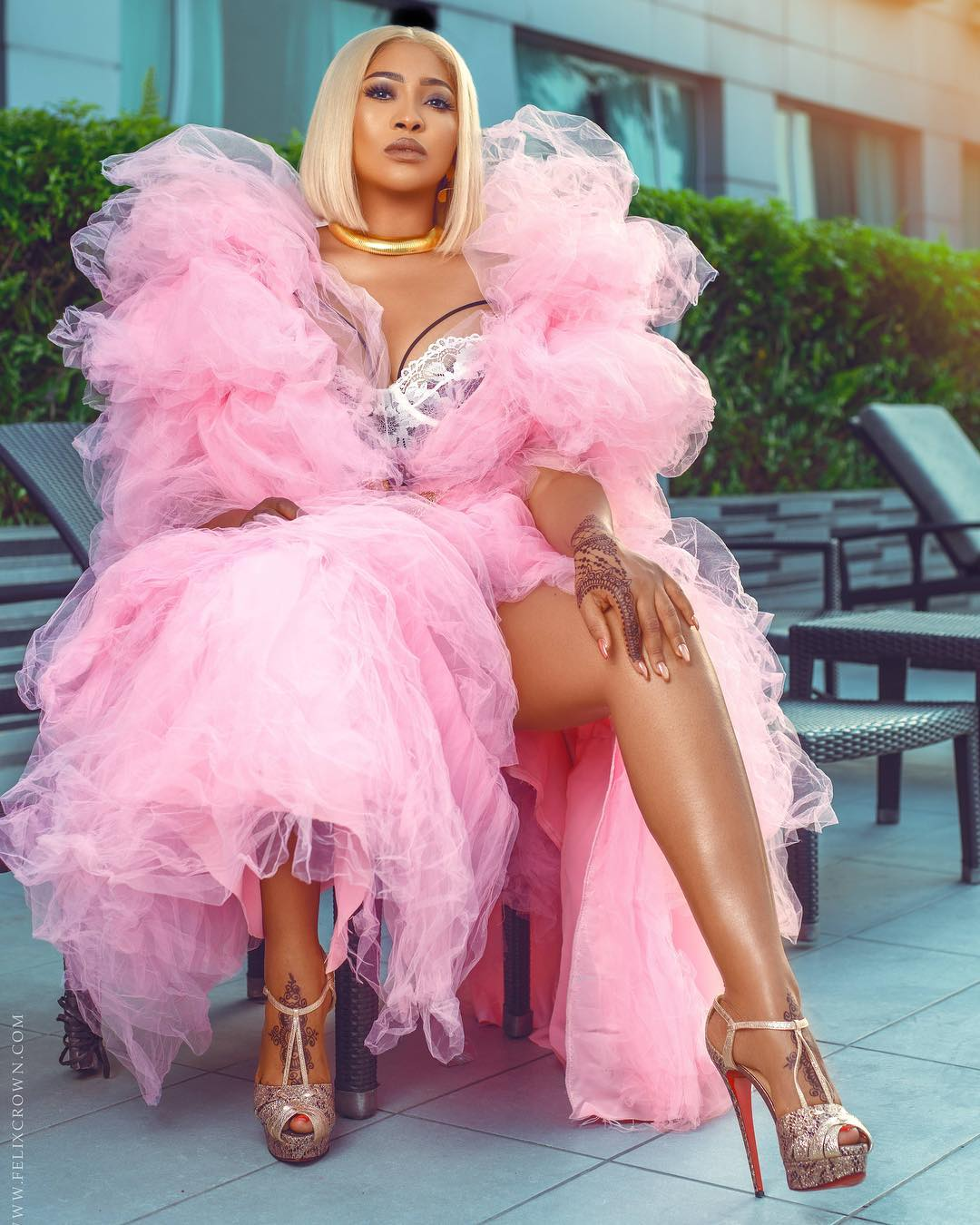 Lilian Esoro celebrates birthday with stunning Birthday Shoot - BellaNaija